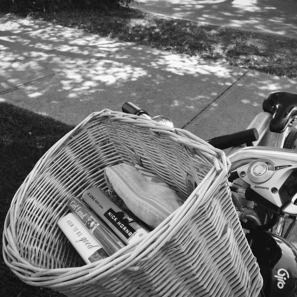 books-in-bike-basket