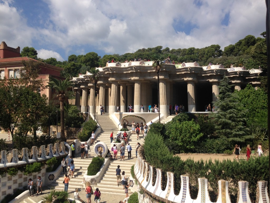 park-guell-columns-stairs