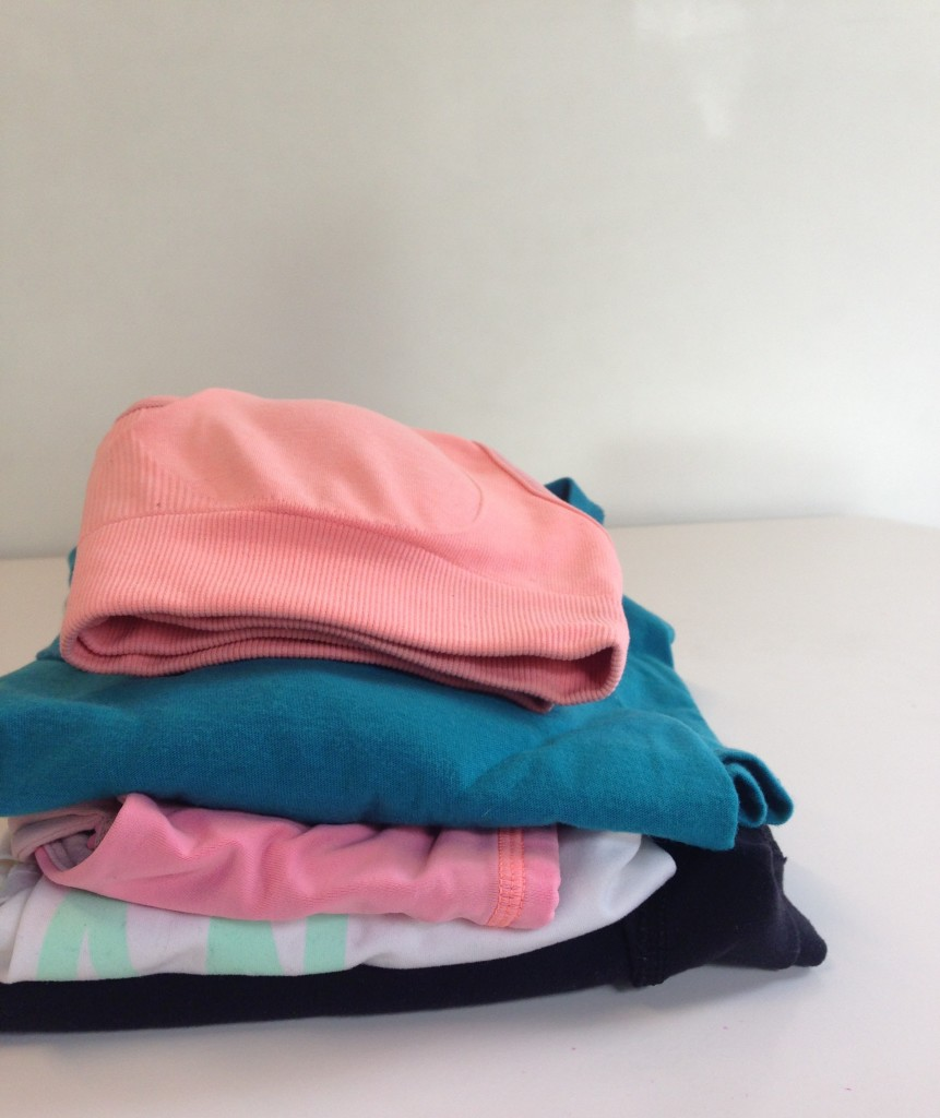 10-tips-for-selling-used-clothes-lululemon-Tips for selling used clothes