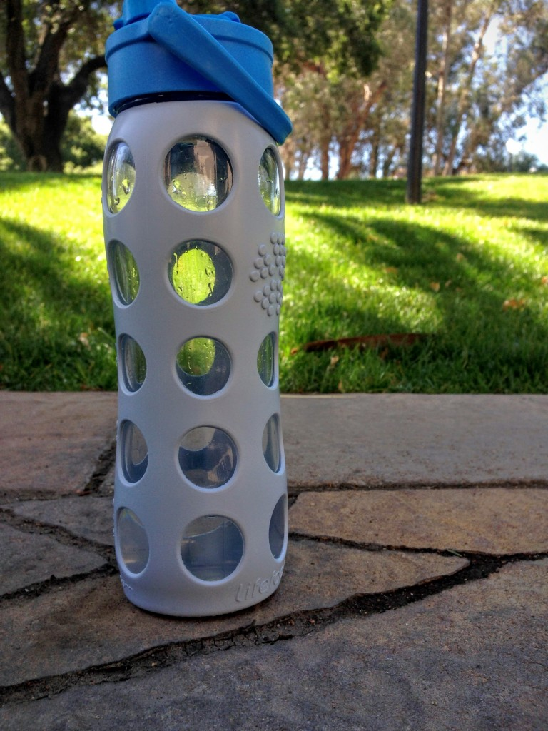 11 tips to save water -tips-to-save-water-earth-day-2016-sustainable-lifefactory-glass-water-bottle