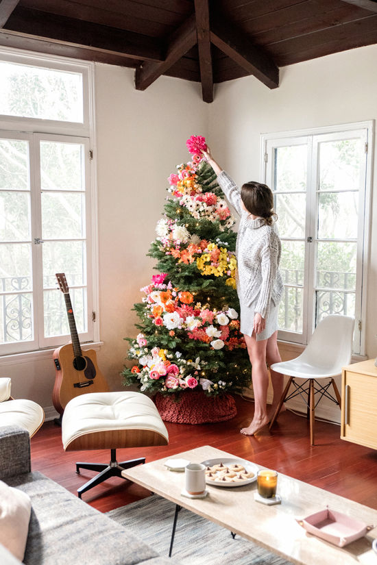 Zero Waste Christmas Decorations – DIY Floral Tree