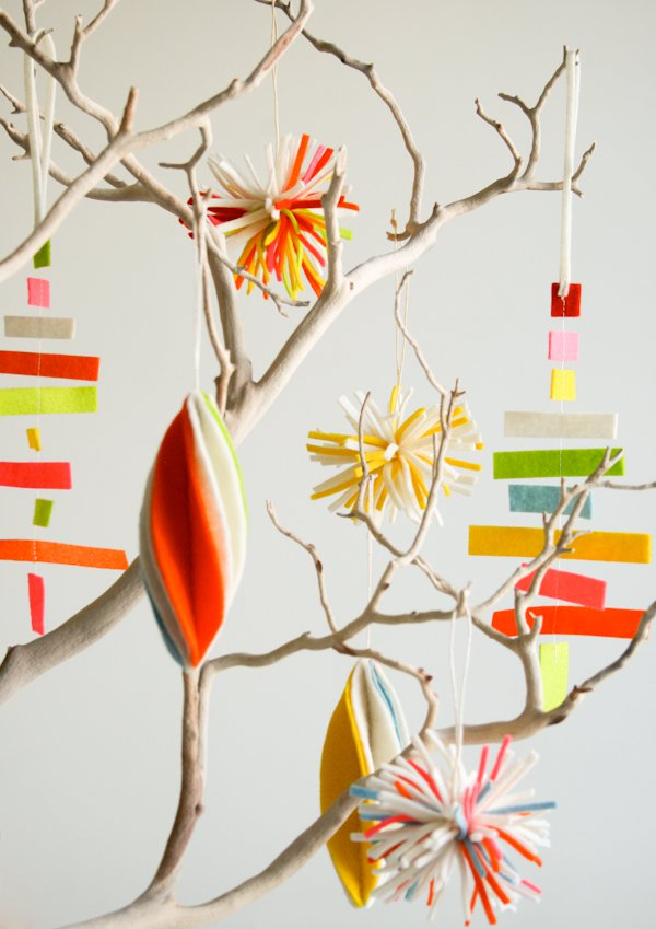 Felt Zero Waste Christmas Decorations – Ornaments via Purl Soho