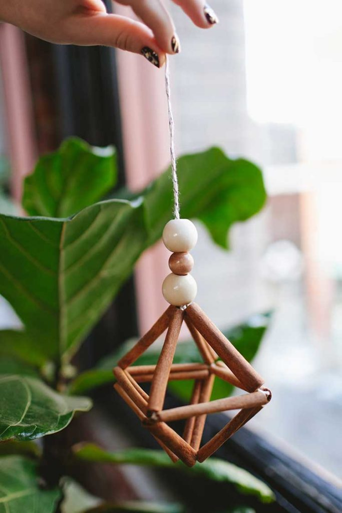 Zero Waste Christmas Decorations – DIY cinnamon stick himmeli