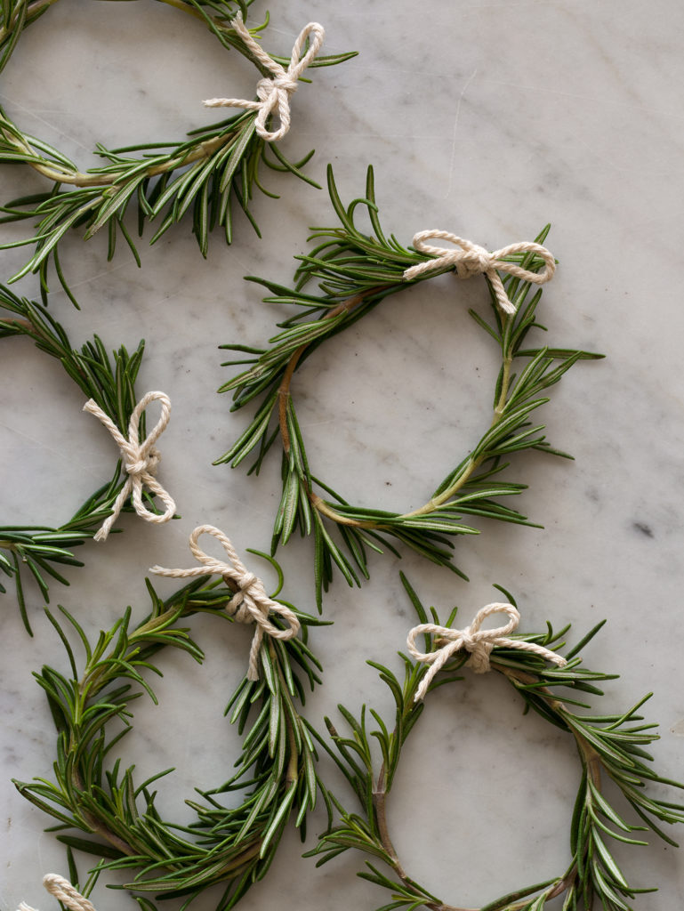 Zero Waste Christmas Decorations – Rosemary Wreaths from Spoon Fork Bacon